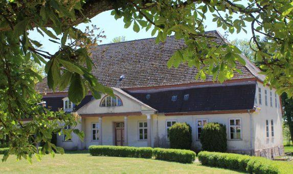 Location d appartement ou maison saint genis pouilly for Location garage gex